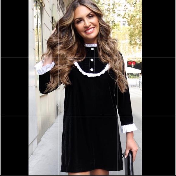 Zara Dresses & Skirts - NWT ZARA CONTRAST VELVET MINI DRESS XS $69.90